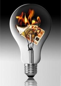 Door een gloeilamp te vervangen voor een led- of spaarlamp kunt u kosten besparen op verlichting